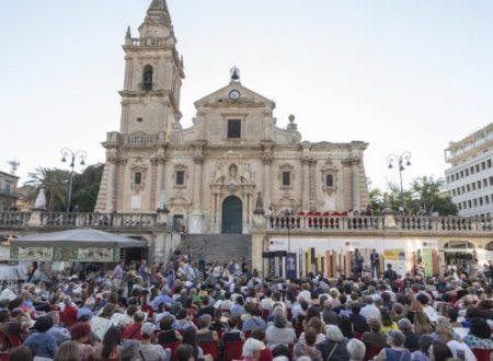 Il barocco di Ragusa ancora set per la festa dei libri e dei lettori di giugno.